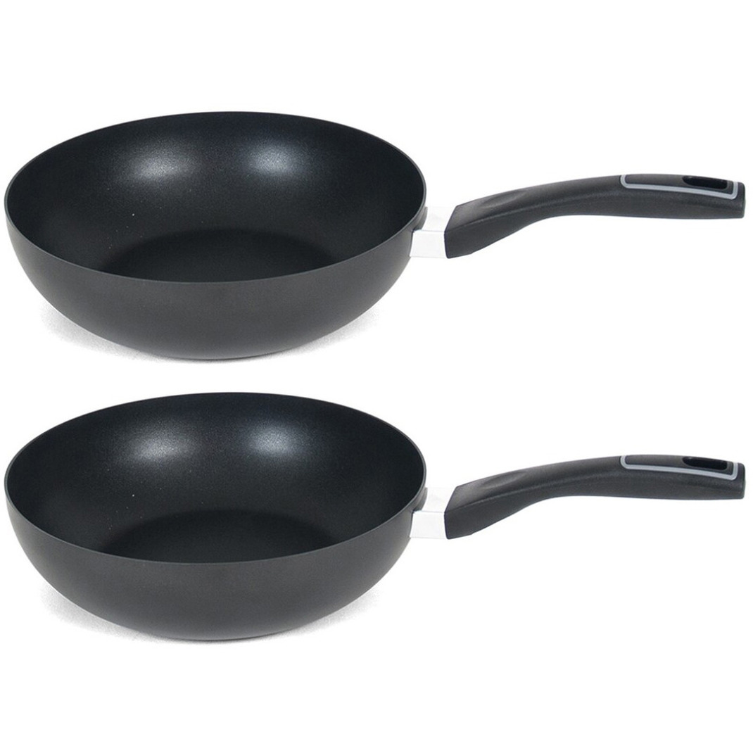 Set van 2x stuks gusto zwarte wokpan voor alle hittebronnen 28 cm